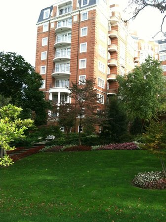 Washington Marriott Wardman Park: Beautiful landscaping, great location!