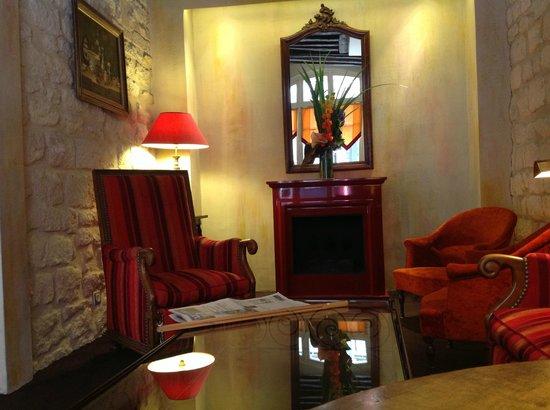 Hotel Saint Paul Rive Gauche: Comfortable sitting room
