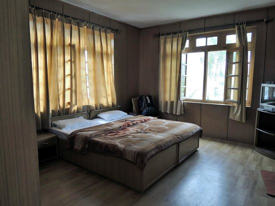 Barath Hotel & Guest House: Double room with view