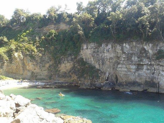 Bagni della Regina Giovanna: spiaggia