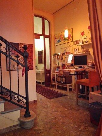 Hostel Pisa Tower: La réception