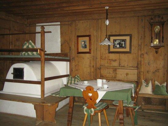 Ansitz Zehentner: salle du petit déjeuner