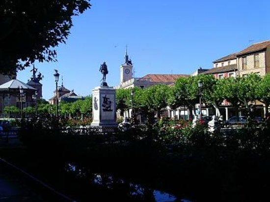 Plaza Cervantes: El genio del Quijote