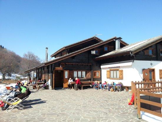 Monte Crocione: relax sulla terrazza