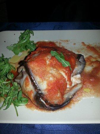 la vecchia taverna: Seafood Eggplant Parmigiana