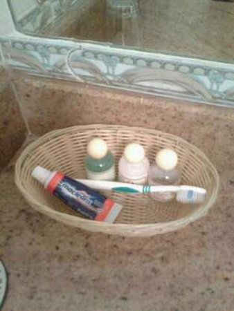 Green HIlls Hotel: little essential provided daily beside the toothbrush and paste