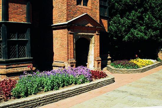 Eastgate House: Entrance