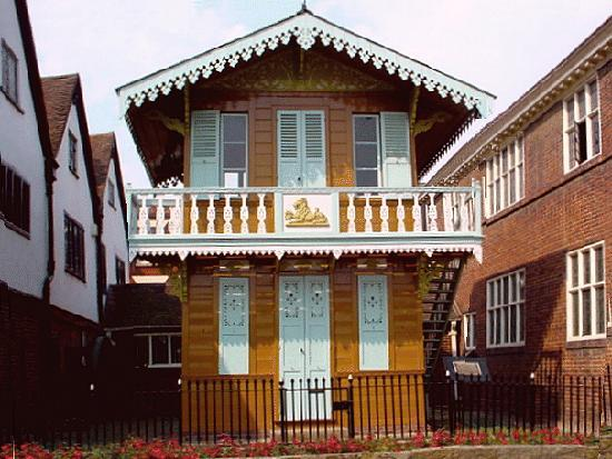 Eastgate House: Charles Dickens Chalet