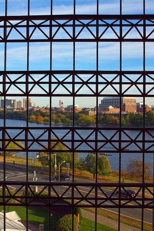 Hyatt Regency Cambridge, Overlooking Boston: View from interior elevator