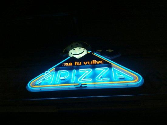 Ma Tu Vulive'a Pizza : L'insegna di Aurelio Fierro