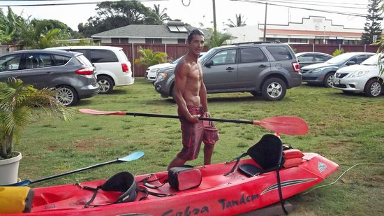 Wailua Kayak & Canoe: Our Guide Forrest...Gives instructions