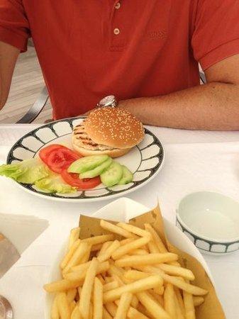 Hotel Excelsior : €24 voor dit broodje?!
