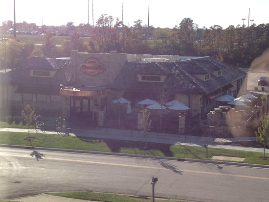 Fairfield Inn & Suites Bloomington: View from window - Chedders restaurant