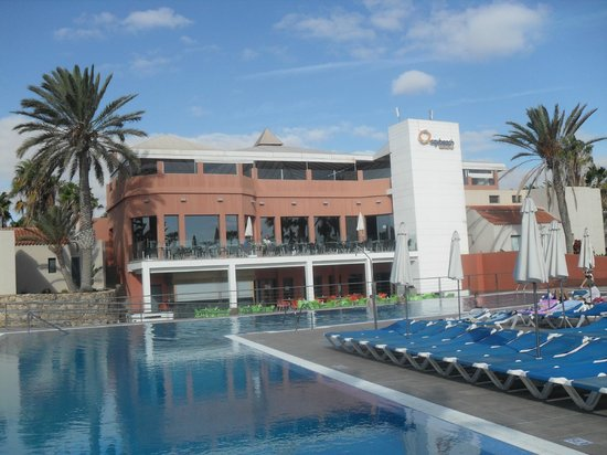 Caybeach Caleta: Swimming Pool/Main Building