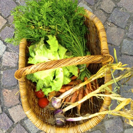 La Grappille : Fresh produce from the neighboring town.