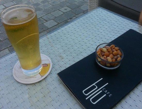 Livadhiotis City Hotel : Пиво на Кипре  такое странное...легкое как водичка)