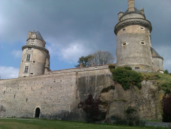 Apremont, France: Chateau