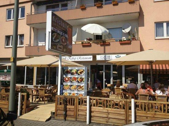 Restaurant Kristall: Terasse und Eingang