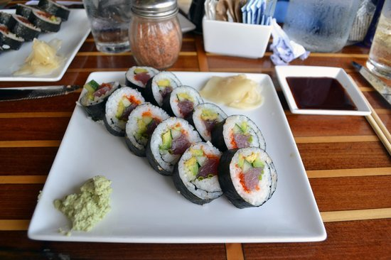 Hanalei Dolphin: just one option of sushi