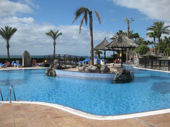 BlueBay Beach Club: piscina