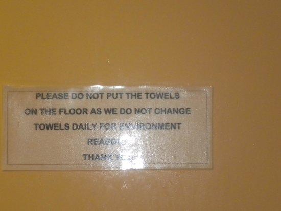 Avon Hotel: Poor service