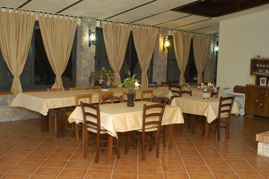 Sala colazioni e pranzo foto di la vecchia scuola for Sala pranzo vecchia