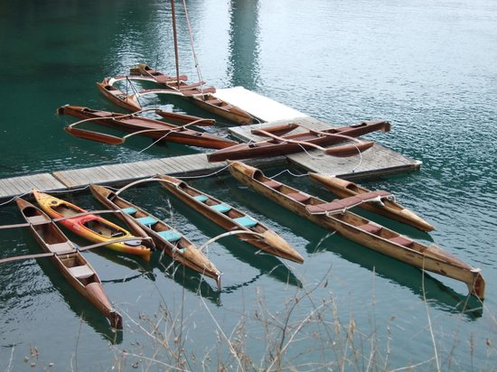 Stanford Inn by the Sea: Canoes for rent