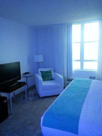 San Juan Water & Beach Club Hotel: room interior