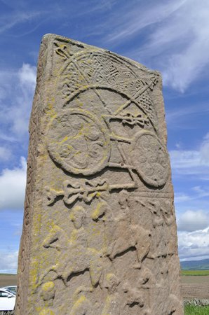 Gramarcy House : Nearby Aberlemno Pictish Stones
