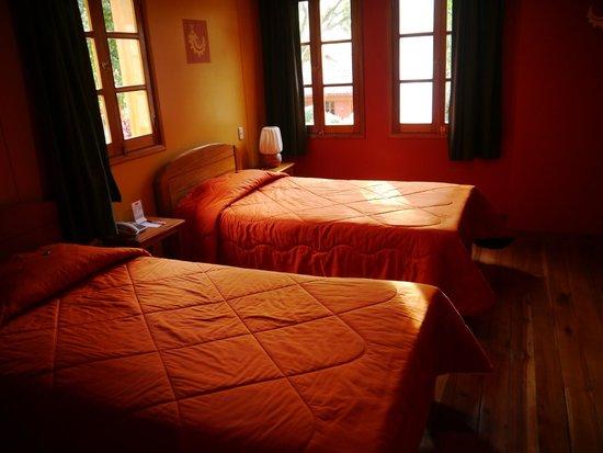 Pakaritampu Hotel: Big room
