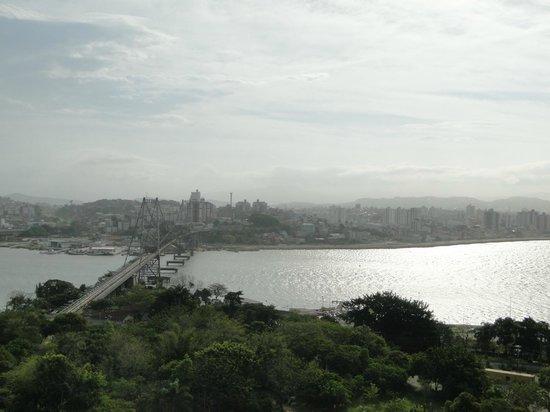 Mercure Florianopolis Centro : De positivo so a vista do deck da piscina