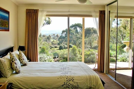 Austiny Bed and Breakfast Accommodation: room with view over garden and hills