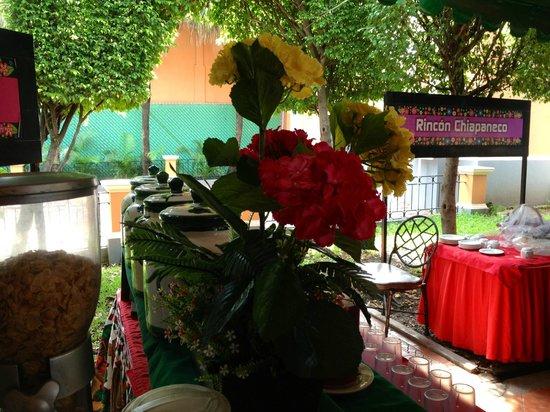 SureStay Hotel by Best Western Palmareca : tasty natural juices for breakfast