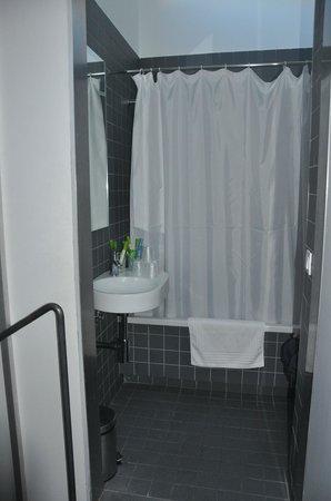Hotel Moure: Baño