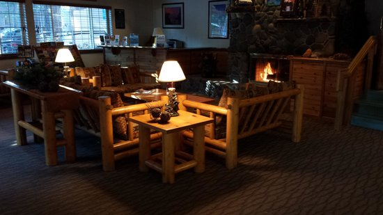 Tahoe Beach and Ski Club: Common Room