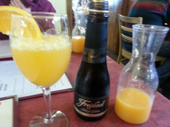 Lucile's Creole Cafe: MIx it yourself mimosa