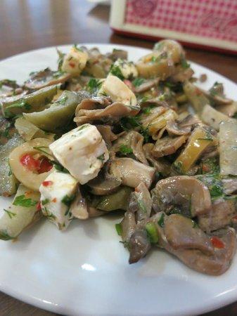 Selcuk Koftecisi : Mushroom Salad