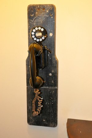 The Truman Courthouse: the antique phone