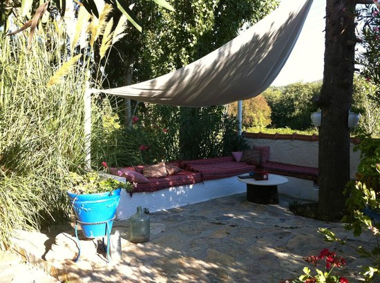 Bakkhos Guesthouse: Lazy afternoons