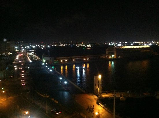 Sheraton Old San Juan Hotel: Harbor from the rooftop pool