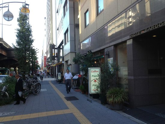 Hotel Sardonyx Ueno: Well Located