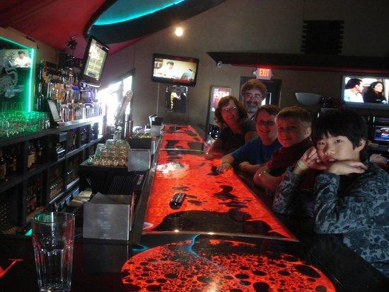 Dells Dynasty Restaurant & Lounge: Liquid Bar Counter @ Dynasty