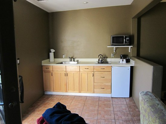The Rossi Hotel: Kitchenette in Sunset room
