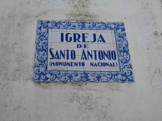 Église Saint-Antoine (Igreja de Santo Antonio) : Lovely tile sign