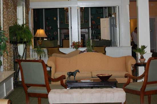 The Green Park Inn: Lobby