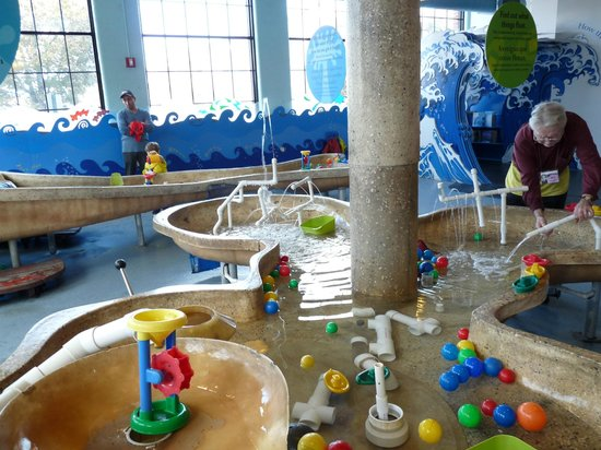 Providence, RI: Water fun room