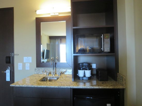 Embassy Suites by Hilton Salt Lake/West Valley City: Wet Bar