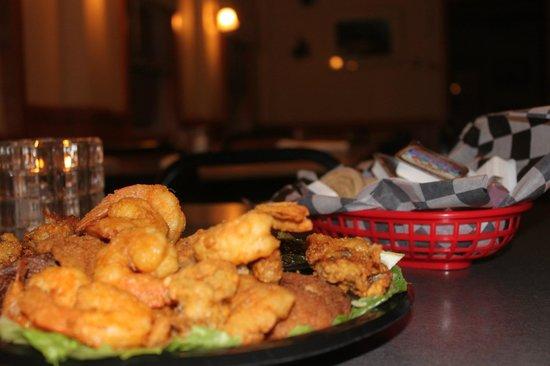 Fish House Restaurant : Great Food