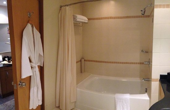 Caravelle Saigon : Bathroom