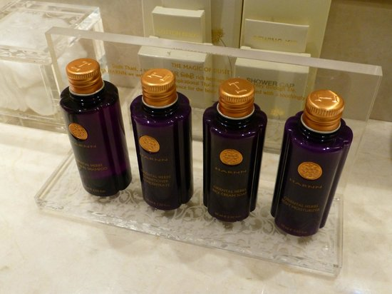 Dusit Thani Hua Hin: Amenities goup with the room rates